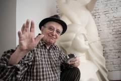 Jiří Suchý instaluje výstavu